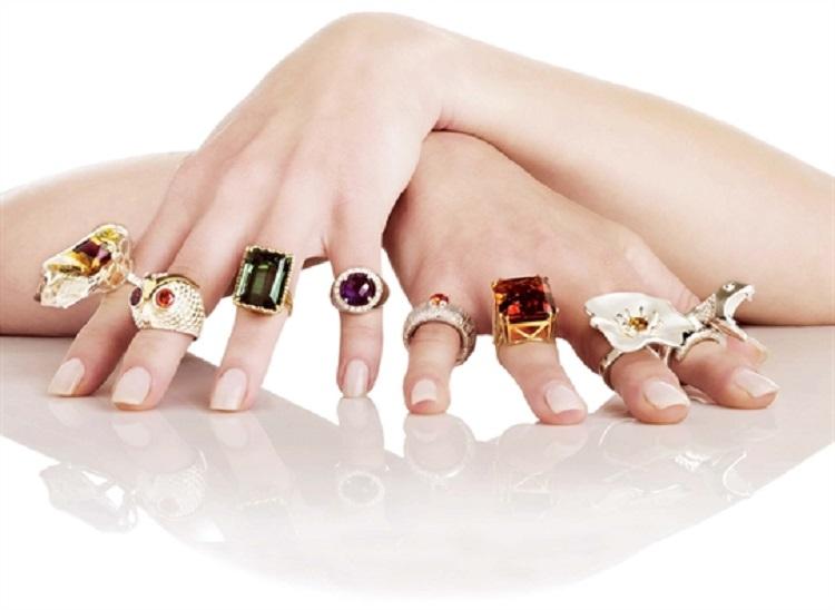 Ý nghĩa đeo nhẫn trên 5 ngón tay đầy đủ và chính xác - Bạc Minh Cảnh